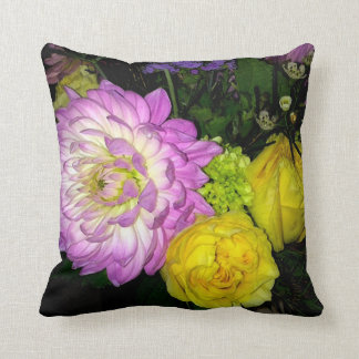 幸せな(ピンクの)枕の花束 クッション