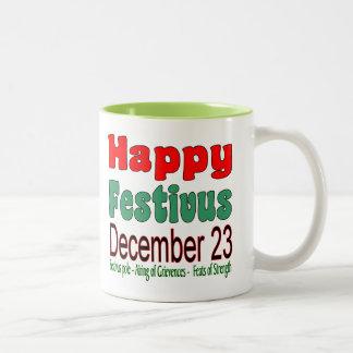 幸せなFestivus 12月23日11oz。 ある調子を与えられるライム2 ツートーンマグカップ