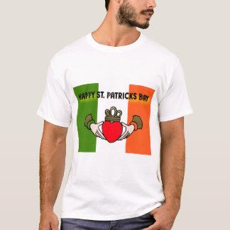 幸せなST. PATRICKS日CLADDAGH -セントパトリック Tシャツ