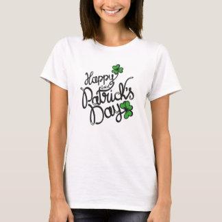 幸せなSt patricks dayのおもしろいのアイルランド人のシャムロック Tシャツ