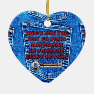 幸福のポケット引用文のブルー・ジーンズのデニムへの鍵 セラミックオーナメント