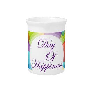 幸福の記念する日の国際的な日 ピッチャー