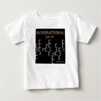 幸福記念する日の3月20日のカードの日 ベビーTシャツ
