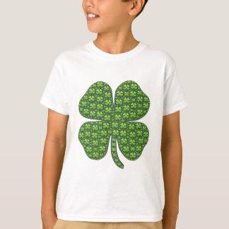 幸運なアイルランドのクローバーのワイシャツ Tシャツ
