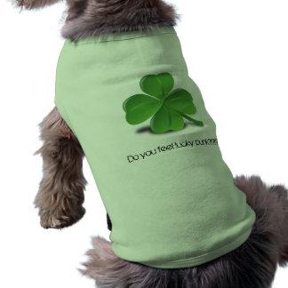 幸運なパンク犬の装いを感じます ペット服
