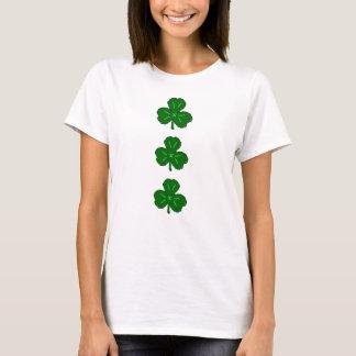 幸運な緑のシャムロック| St. Patricks日のアイルランド語 Tシャツ