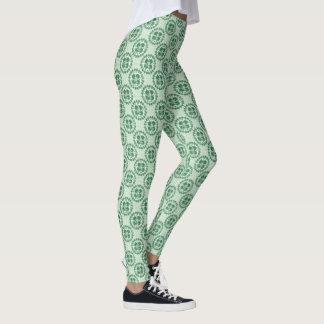 幸運な緑の漢字のシャムロックパターン レギンス