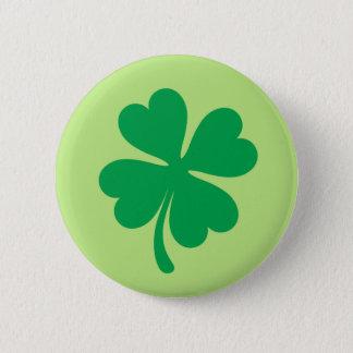 幸運な緑4の葉のクローバーかシャムロックボタン 5.7CM 丸型バッジ