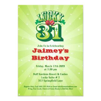 幸運な31 -カスタムな誕生日のパーティの招待状 カード