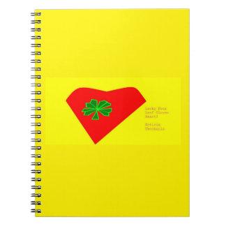 幸運な4葉のクローバーのハート ノートブック