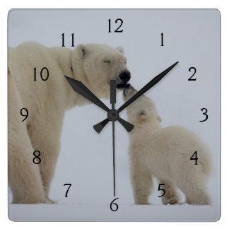 幼いこどもを持つ白くまの母 スクエア壁時計