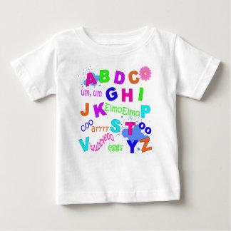 幼児のアルファベット-女の子版 ベビーTシャツ