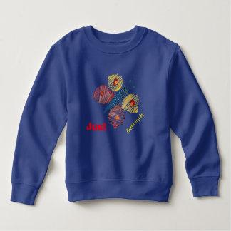 幼児のトレーナーかTシャツによってちょうどなびきます スウェットシャツ