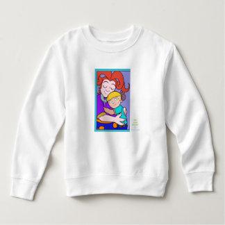 幼児のフリースのスエットシャツのお母さんは男の子を抱き締めます スウェットシャツ