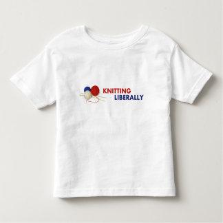 幼児のTシャツを寛大に編むこと トドラーTシャツ