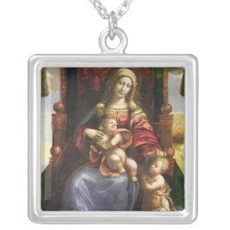 幼児聖ヨハネを持つヴァージンそして子供 シルバープレートネックレス
