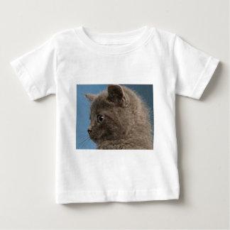 幼児Tシャツにあなたの赤ん坊言うことを何かがあります! ベビーTシャツ
