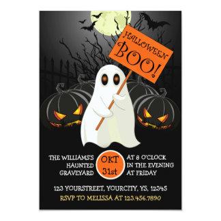 幽霊およびこうもりが付いているかわいいハローウィンパーティの招待 カード