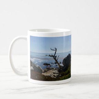 幽霊の木-景色の17マイルドライブマグ コーヒーマグカップ