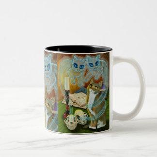 幽霊猫の魔法綴りの魔法使いの芸術のマグ ツートーンマグカップ
