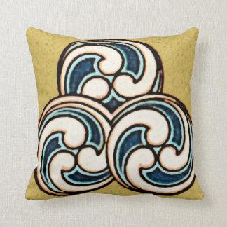 幾何学的で中国ので日本のな円のデザインの枕 クッション