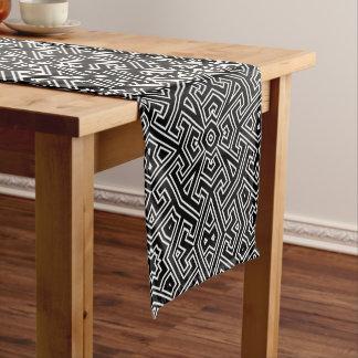 幾何学的なパターンモノグラム白黒ID149 ショートテーブルランナー