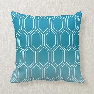 幾何学的なモチーフパターン|青 クッション