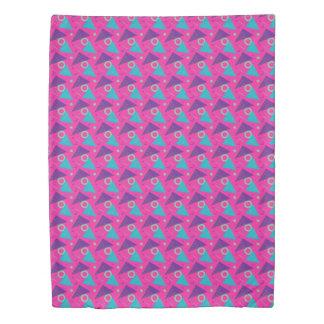 幾何学的な全く80年代のショッキングピンクのレトロの三角形 掛け布団カバー
