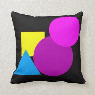 幾何学的な形の枕 クッション