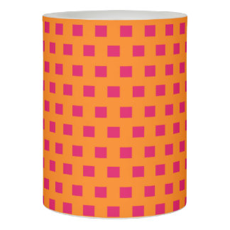 幾何学的な正方形は のショッキングピンクのオレンジに点を打ちます LEDキャンドル