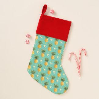 幾何学的の明るいパイナップル クリスマスストッキング