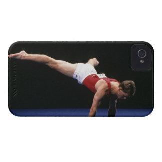 床のルーチンをpeformingオスの体育専門家 Case-Mate iPhone 4 ケース