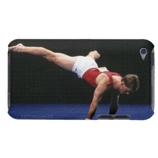 床のルーチンをpeformingオスの体育専門家 Case-Mate iPod touch ケース