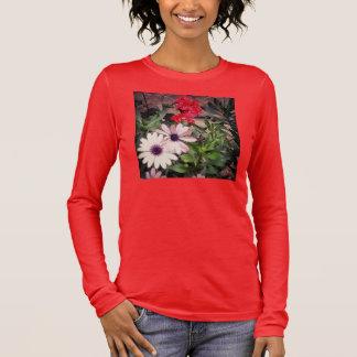 庭によってはワイシャツが長く開花します Tシャツ