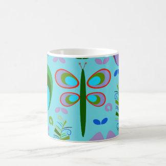 庭のトンボ コーヒーマグカップ