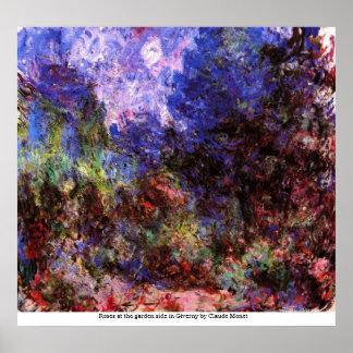 庭のバラはクロウドMoneによってGivernyで味方します ポスター