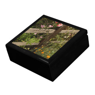 庭の塀のギフト用の箱 ギフトボックス