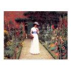 庭の郵便はがきの女性 ポストカード