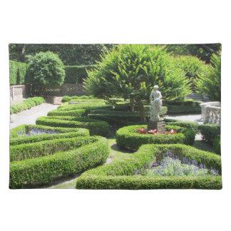 庭のManteoエリザベス朝NCのランチョンマット ランチョンマット