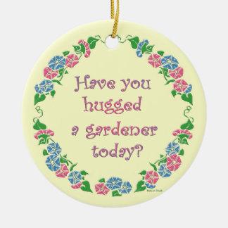 庭師を今日抱き締めましたか。 セラミックオーナメント
