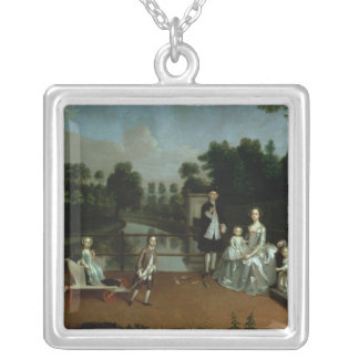 庭1749年の台地の家族のグループ シルバープレートネックレス