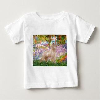 庭-アフガンハウンド(クリーム色の立場) ベビーTシャツ
