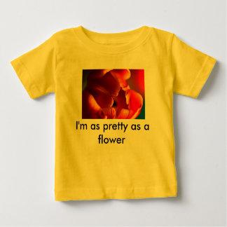 庭、チューリップ、私は花かわいらしいです ベビーTシャツ