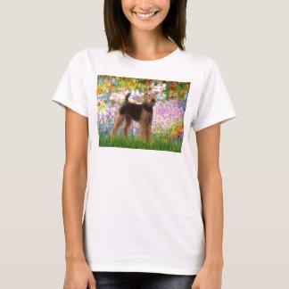 庭- Airedaleテリア(#6) Tシャツ