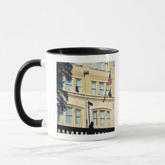 建物から、サン・アントニオつるす、旗 マグカップ