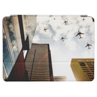 建物に飛ぶ飛行機 iPad AIR カバー