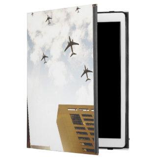 """建物に飛ぶ飛行機 iPad PRO 12.9"""" ケース"""