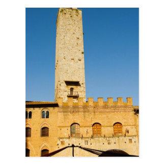 建物のタワーの低い角度眺め、 ポストカード