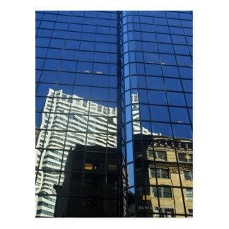 建物の反射の低い角度眺め ポストカード