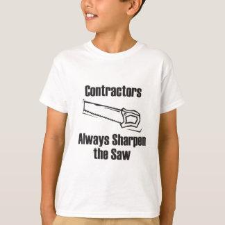 建築業者は鋸を削ります Tシャツ